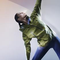 NikeLab女子训练系列专为穿搭而设计