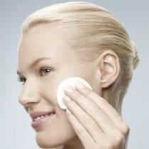 什么?原来你一直以来涂抹护肤品的方法都是错的!