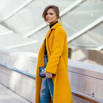 穿一件亮色大衣 提前过春天吧