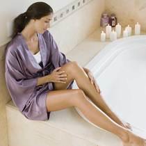 光靠沐浴露还不够 身体肌肤也需要去角质