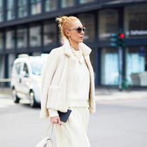 下雪天就是要穿一身白色才够优雅