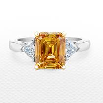 戴比尔斯钻石珠宝斑斓色彩,展现于天然彩钻之中