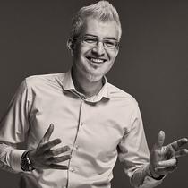 专访:康泰纳仕时尚设计培训中心执行总监DOMINIQUE SIMARD-职场