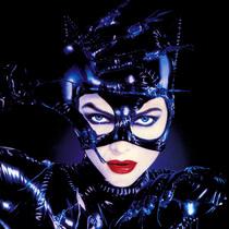 蝙蝠侠大战超人上映在即 但我们想看超级英雄的神秘女友们-我们爱电影