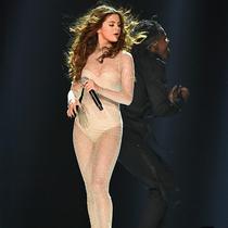 施华洛世奇携手MONSE为Selena Gomez打造巡演服饰