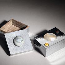 BOTTEGA VENETA推出全新半宝石镶嵌纯银储物盒
