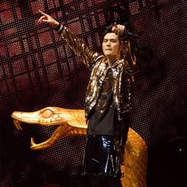 MOSCHINO为周杰伦2016世界巡回演唱会打造舞台服装
