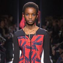 Suzy巴黎时装周:Hermès – 印花回归