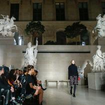 Suzy巴黎时装周 Louis Vuitton:绝美秀场
