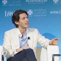 康泰纳仕国际奢侈品会议:Aquazzura创始人Edgardo Osorio谈室内设计、正念及Trump诉讼案
