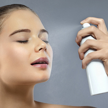 夏日肌肤燥热发烫 试试这些快速降温的方法