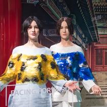 北京杜莎夫人蜡像馆时尚区璀璨启幕 电子唱作人尚雯婕蜡像时尚绽放