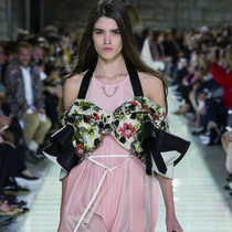 #SuzyPFW Louis Vuitton: Anachronistic But Romantic