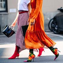 穿小白鞋的It girl 现在都在买袜靴-新宠