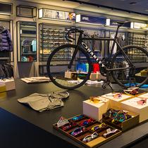 高科技运动品牌OAKLEY欧克利大中华区最大形象店亮相南京