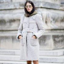 今年最时髦的大衣 都在腰间做文章 -时尚街拍