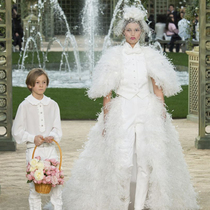 #SuzyCouture: Chanel – Sophisticated Prettiness-Suzy Menkes专栏