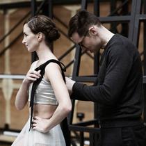 仙气十足的Erdem为伦敦皇家芭蕾舞团设计了什么样的服装?-设计师聚焦