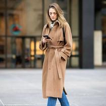 大衣那么多,為什么一定要有一件駝色的?-風格示范
