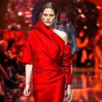 5 个源于伦敦时装周的妆发趋势-彩妆