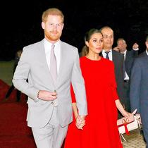 最近讓王妃、超模和博主們都放不下的包袋是......-時尚圈