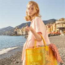 COCCINELLE 2019春夏新品 - 胶囊系列 亮丽解压 Pluriballmania 水晶泡泡袋-品牌新闻