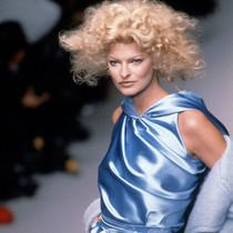 32张 Linda Evangelista 的生活照,述说 1990 年代的时尚风华-星秀场