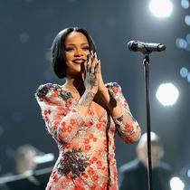 看Rihanna 如何成為 21 世紀樂壇傳奇-星秀場