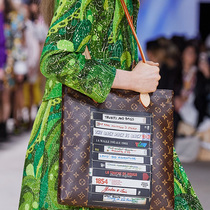 #SuzyPFW: Louis Vuitton and MiuMiu – Skillful Recycling-Suzy Menkes专栏