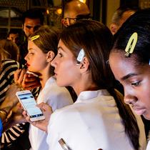 手机蓝光会老化皮肤和扰乱睡眠——这里为你提供一些自我防护方法-家居