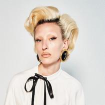 你需要從巴黎時裝周 AW21了解的美發美容趨勢-彩妝