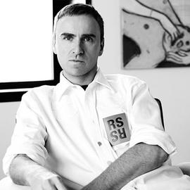 前Dior创意总监Raf Simons正式入主Calvin Klein