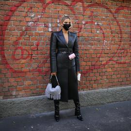 14款秋冬大衣和长筒靴搭配,我们现在就想穿