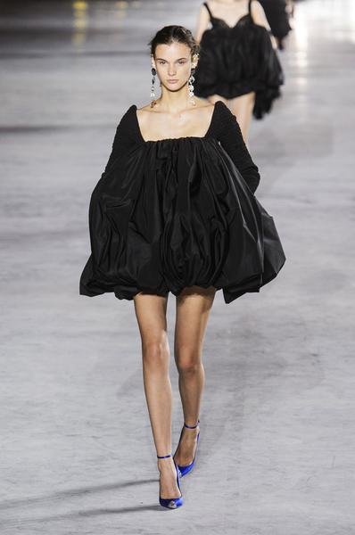 哪条连衣裙最显瘦?这个夏天买这三条就够了