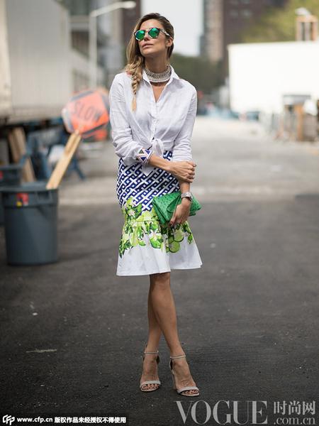 衬衫+半裙街拍经典又百变