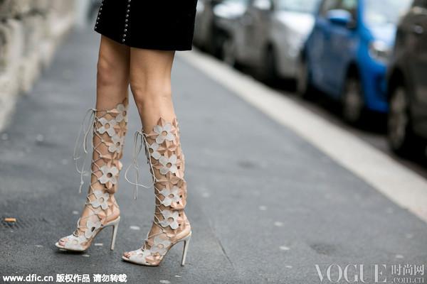 街拍特写 绑带鞋的夏天