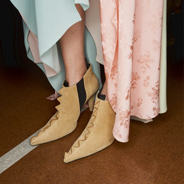 新年穿新鞋 带你看遍今年最美的30双
