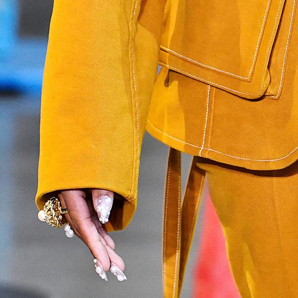 今年秋天你将想要尝试的最好的4种指甲颜色潮流