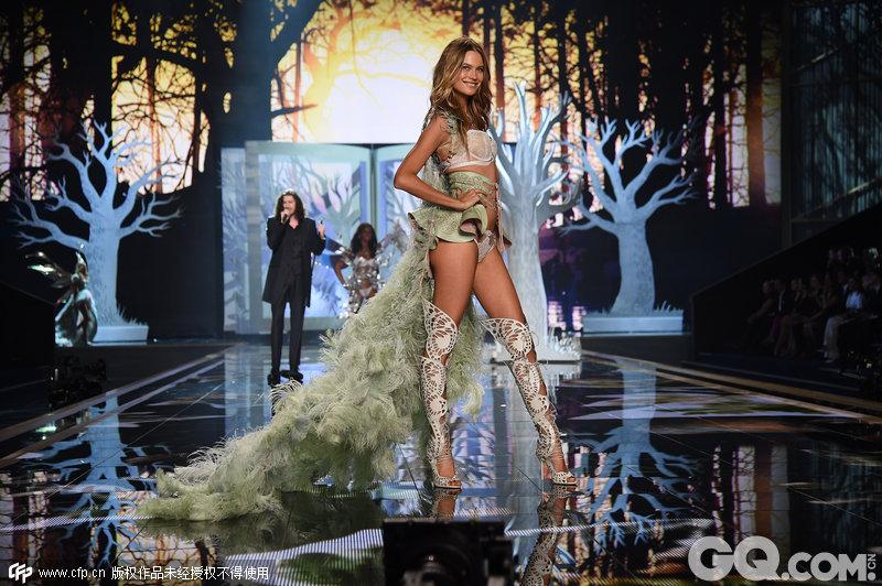 2014维多利亚的秘密内衣秀(2014 Victoria's Secret Fashion Show)。童话故事(Fairy Tale)系列内衣。