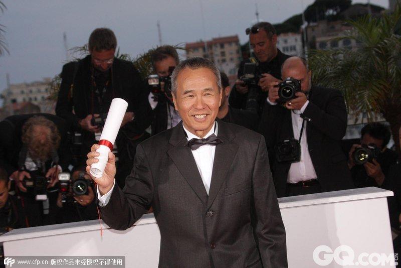 第 68 届戛纳电影节将「最佳导演奖」颁给了 68 岁的侯孝贤,他是继王家卫(第 50 届)和杨德昌(第 53 届)后,第三位获此殊荣的华人导演。他的新作《刺客聂隐娘》,既是「真实世界里的荒谬性而找到了这样的一个眼光和角度」(侯孝贤语)的绝佳范本,也是一次对「中式传奇」的当代书写。