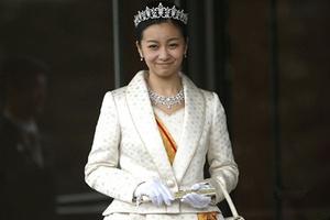 日本佳子公主被赞貌美 皇室公主风格不一