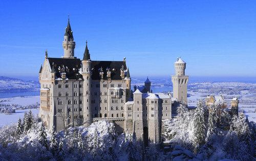 去城堡感受恢弘气势