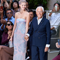 #SuzyMFW Armani: The Extraordinary Fragility Of Planet Earth-Suzy Menkes专栏