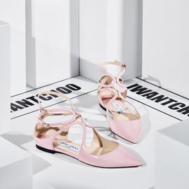 这双鞋 保证你只看一眼就一定会买